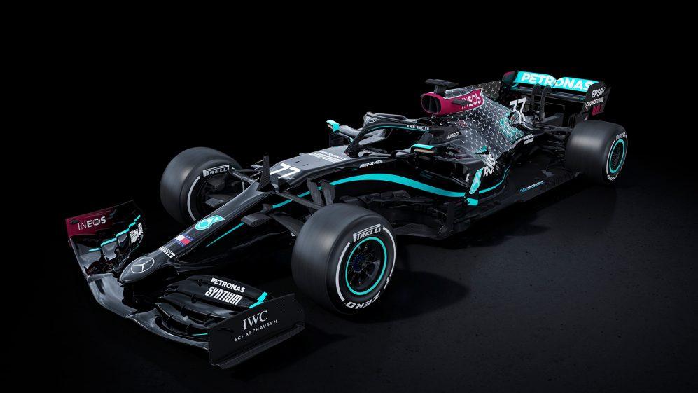 Η μαύρη Mercedes